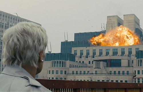 Când a fost singura dată când MI6 a permis turnarea unui film în sediul său central?