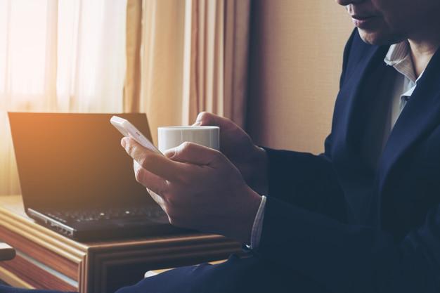 FBI: Telemunca din cadrul hotelurilor, risc de securitate cibernetică