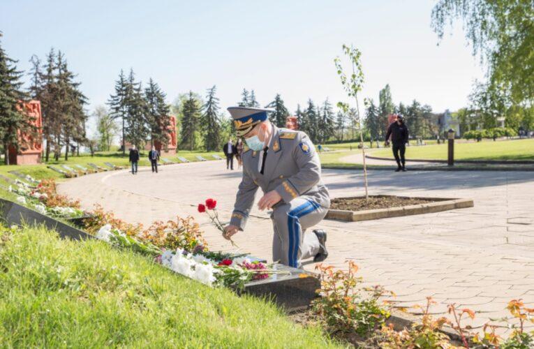 Serviciul de Informaţii şi Securitate al Repubblicii Moldova comemorează eroii războiului contra fascismului